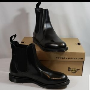 NWT DR MARTENS BOOTS FLORA SILVER BOOTS ARCADIA